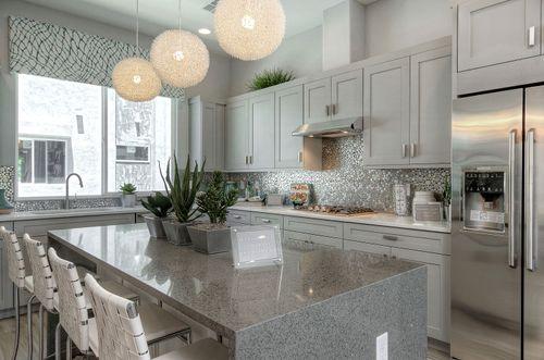 Kitchen-in-Paris-at-Encue-in-Phoenix