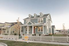 6331 W Lake Ave (The Stafford - Colonial Revival)