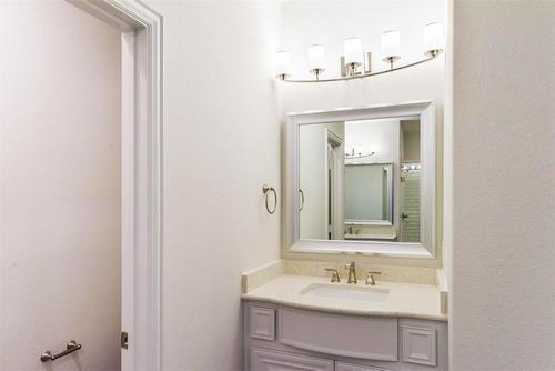 Bathroom-in-Mulligan F-at-Valencia-in-Corinth