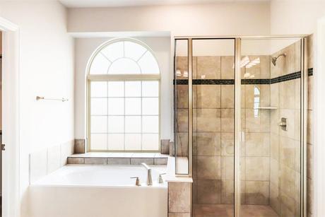 Bathroom-in-R - Stonehaven R-at-Garden Valley Meadows-in-Waxahachie