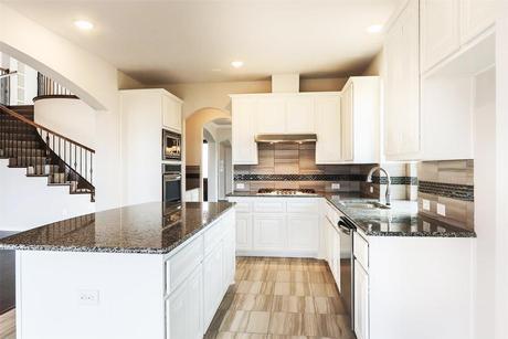 Kitchen-in-R - Stonehaven R-at-Garden Valley Meadows-in-Waxahachie