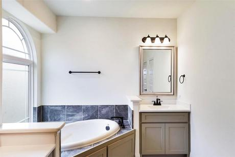 Bathroom-in-Brentwood FSW (w/Media)-at-Parkside Farms-in-Corinth
