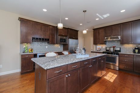 Kitchen-in-Hadleigh - Heritage-at-Fienup Farms - Heritage Collection-in-Chesterfield