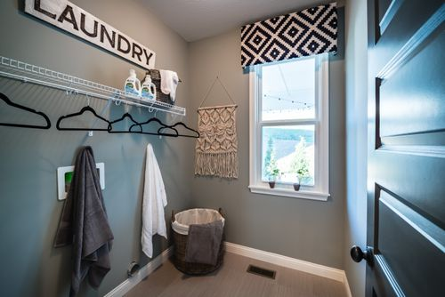 Closet-in-Foster-at-Tuscany-in-Covington