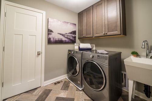 Laundry-in-Clay-at-Kensington-in-Mason