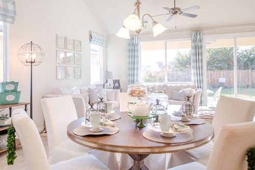 Dining-in-The Grand Trellis-at-Rose Park in The Village-in-Modesto