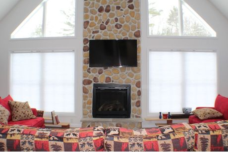 Greatroom-and-Dining-in-Lackawaxen-at-Forest Homes of Lake Wallenpaupack-in-Hawley