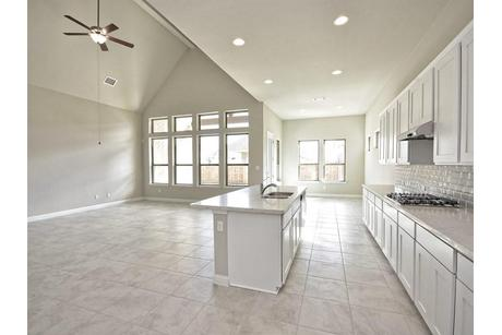 Kitchen-in-Lincoln 5130-at-MorningStar-in-Georgetown