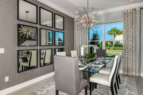 Dining-in-Newcastle-at-The Ridge at Wiregrass Ranch-in-Wesley Chapel