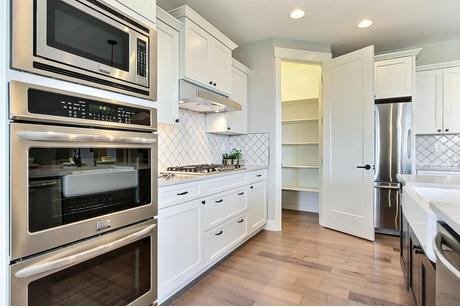 Kitchen-in-Aspen-at-Dunmore at McCormick-in-Port Orchard