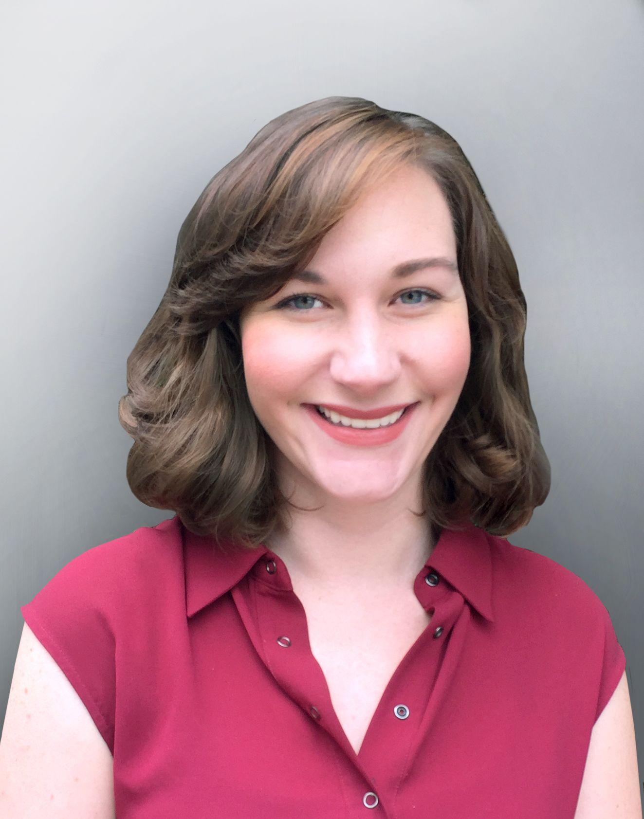 Online Specialist Rachel Eicher