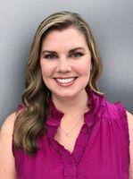 Online Specialist Julia Salmon