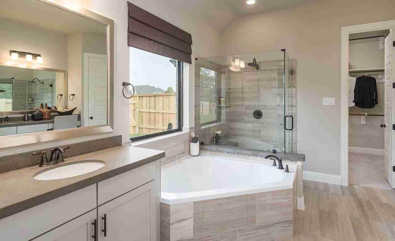 Rosewood - Master Bathroom