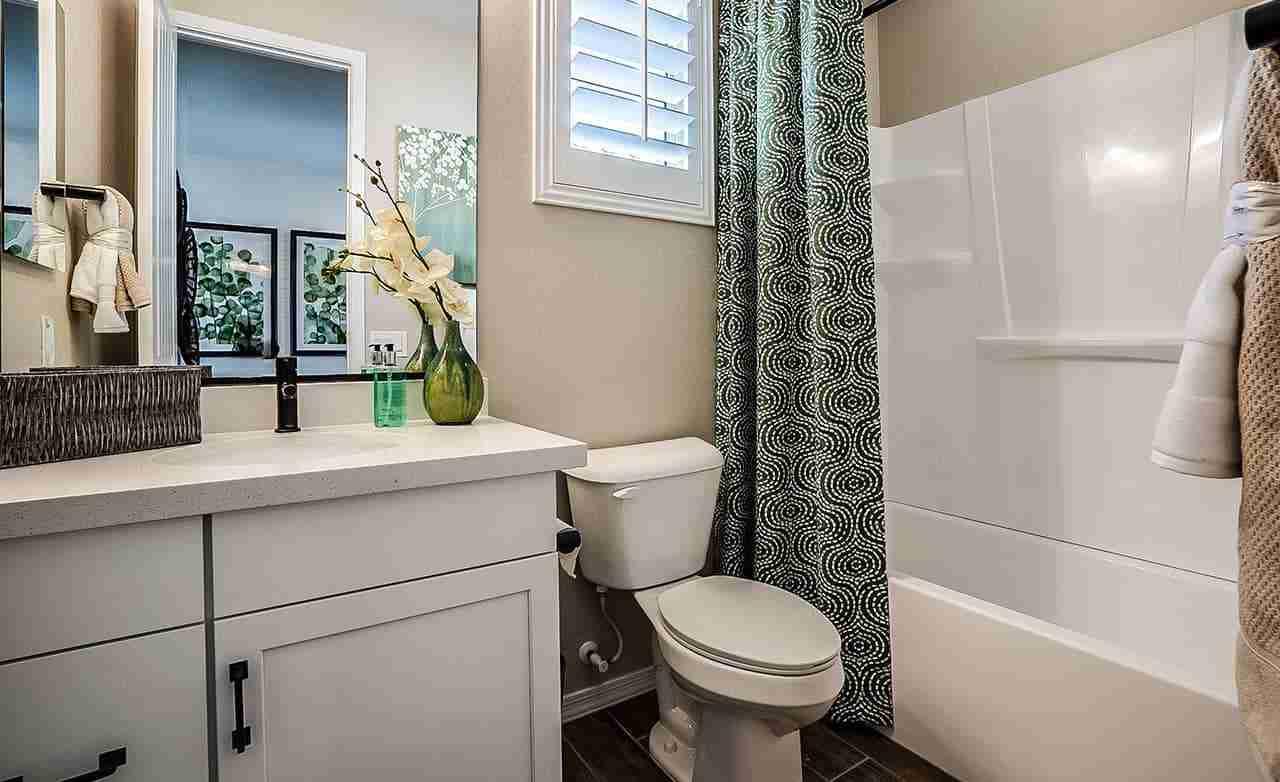 Bluebell - Secondary Bathroom