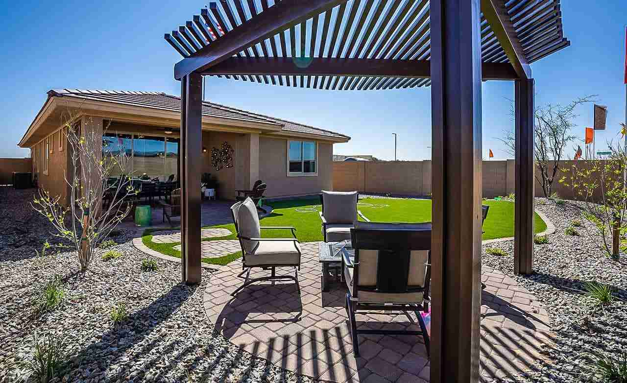 Bluebell - Backyard Patio