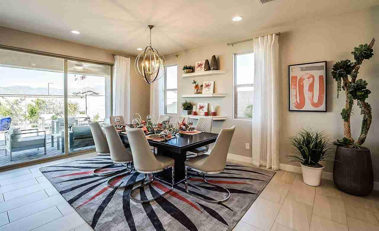 Belice - Dining Room
