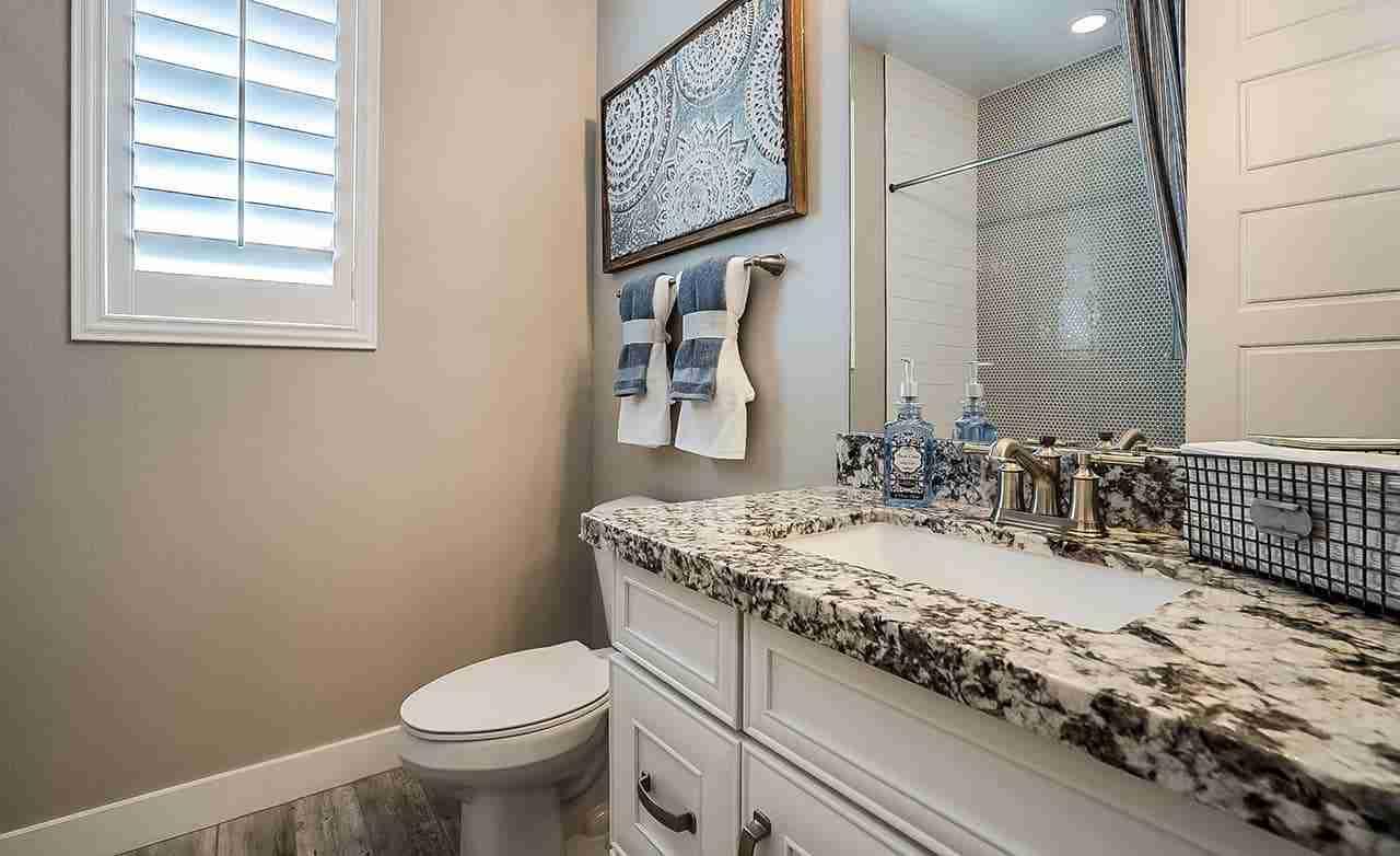 Clover - Secondary Bathroom