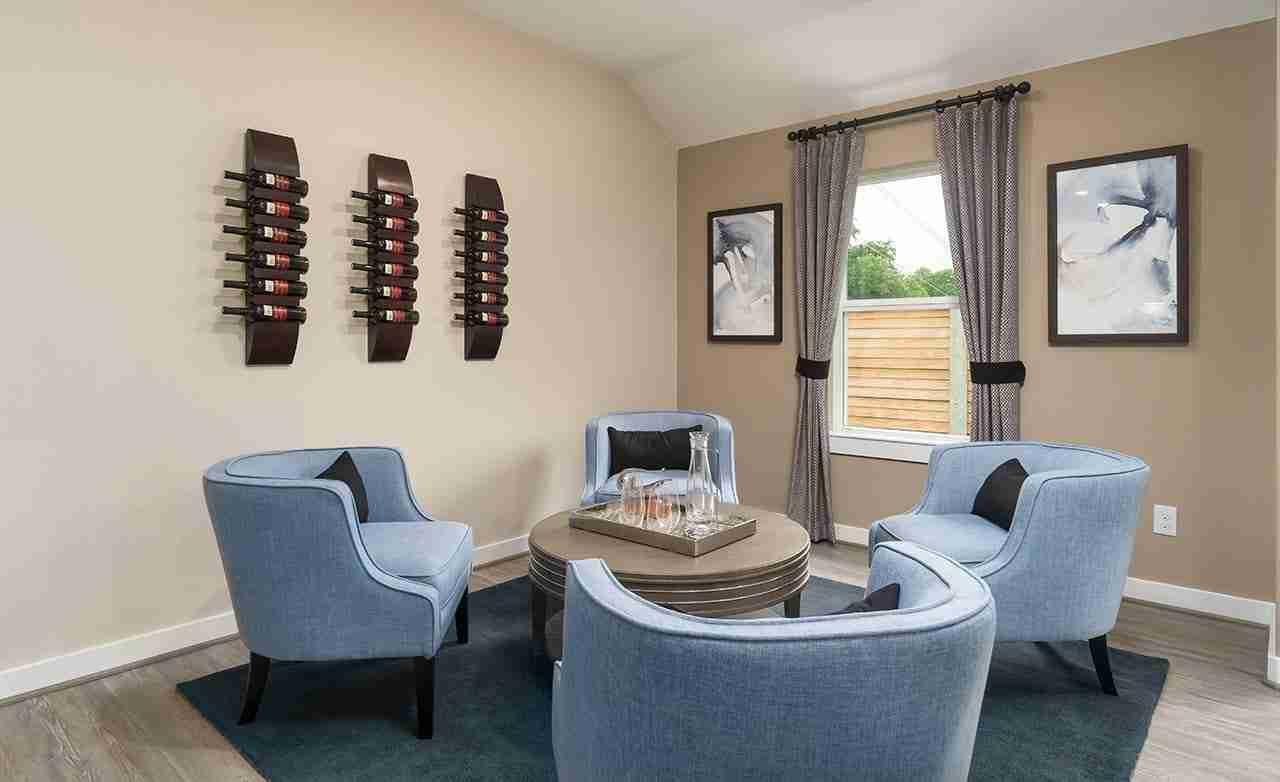Driskill - Flex Room