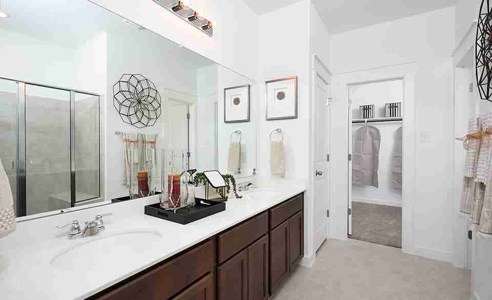 Yosemite F – Master Bathroom