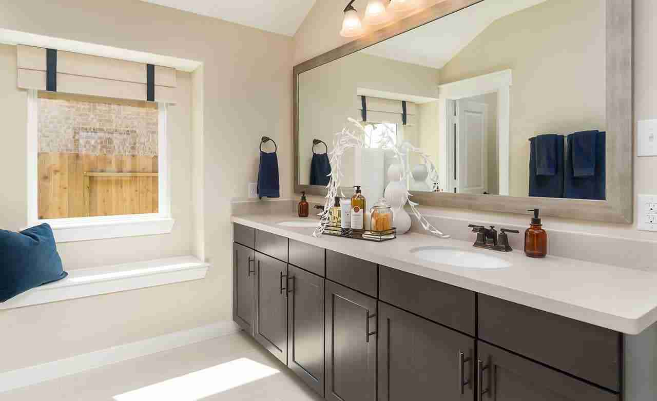 Meridian - Master Bathroom