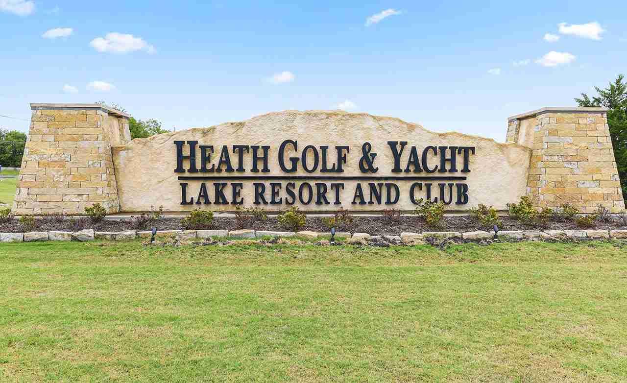 Heath Golf & Yacht Club Community Sign
