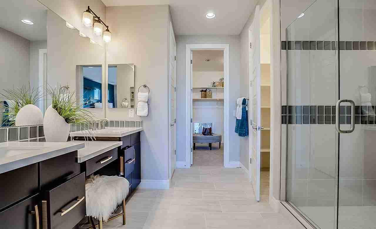 Manzanita - Master Bathroom