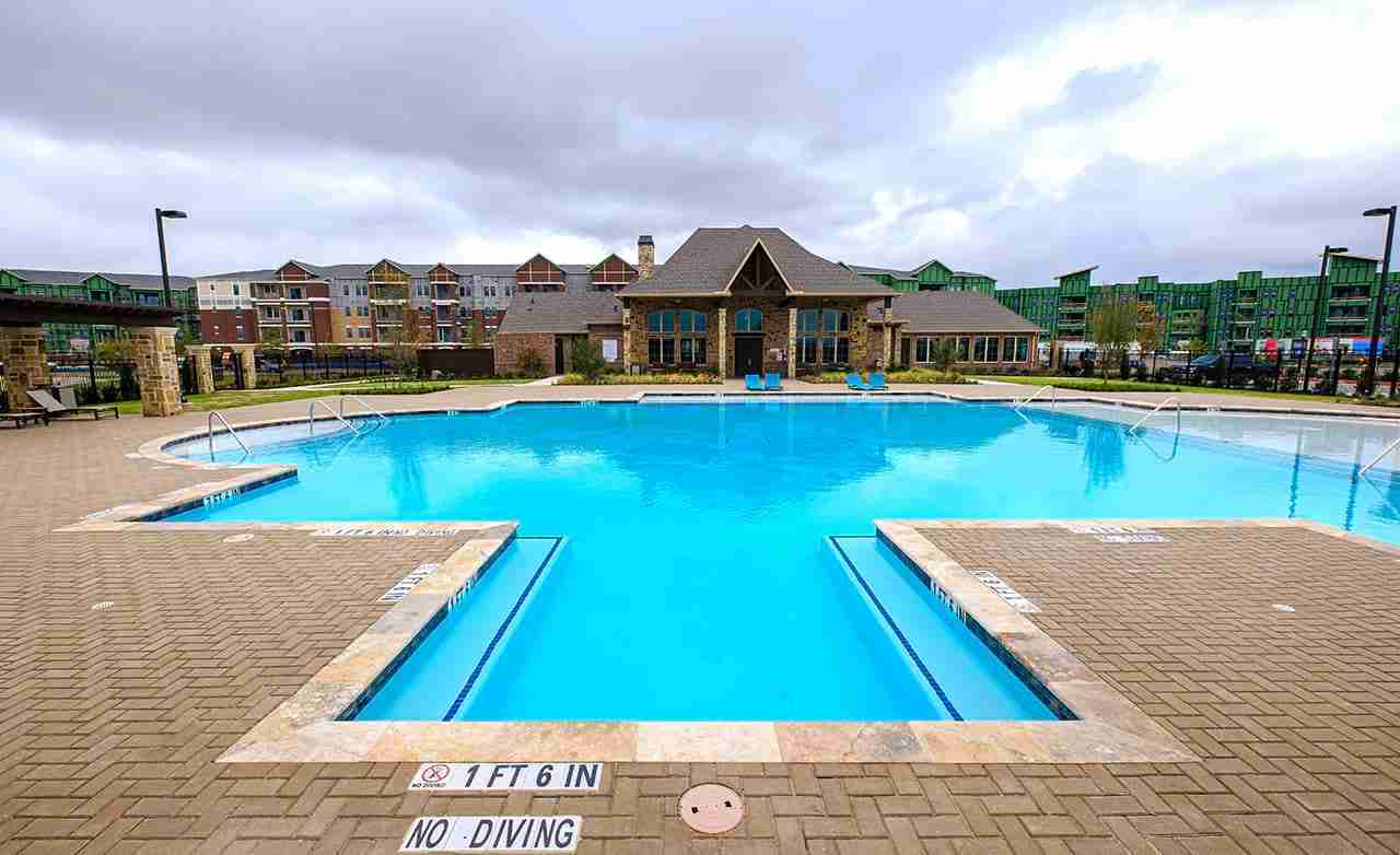 Mercer Crossing Community Pool