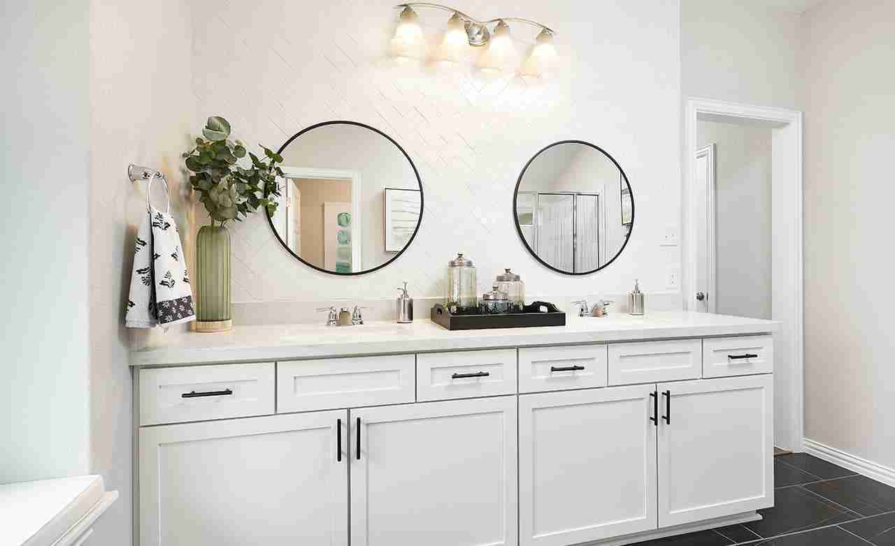 Meridian – Master Bathroom