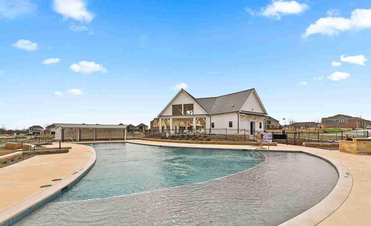 Riverset Community Pool