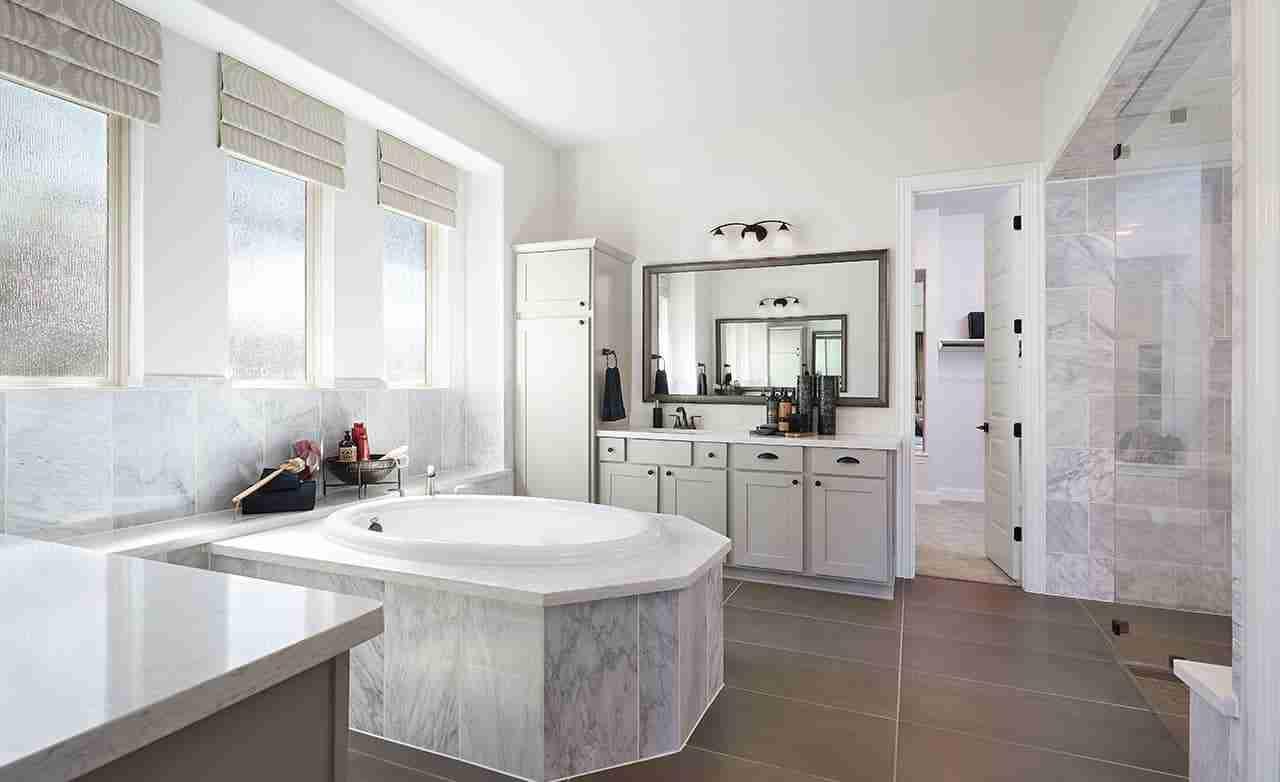 Villanova – Master Bathroom