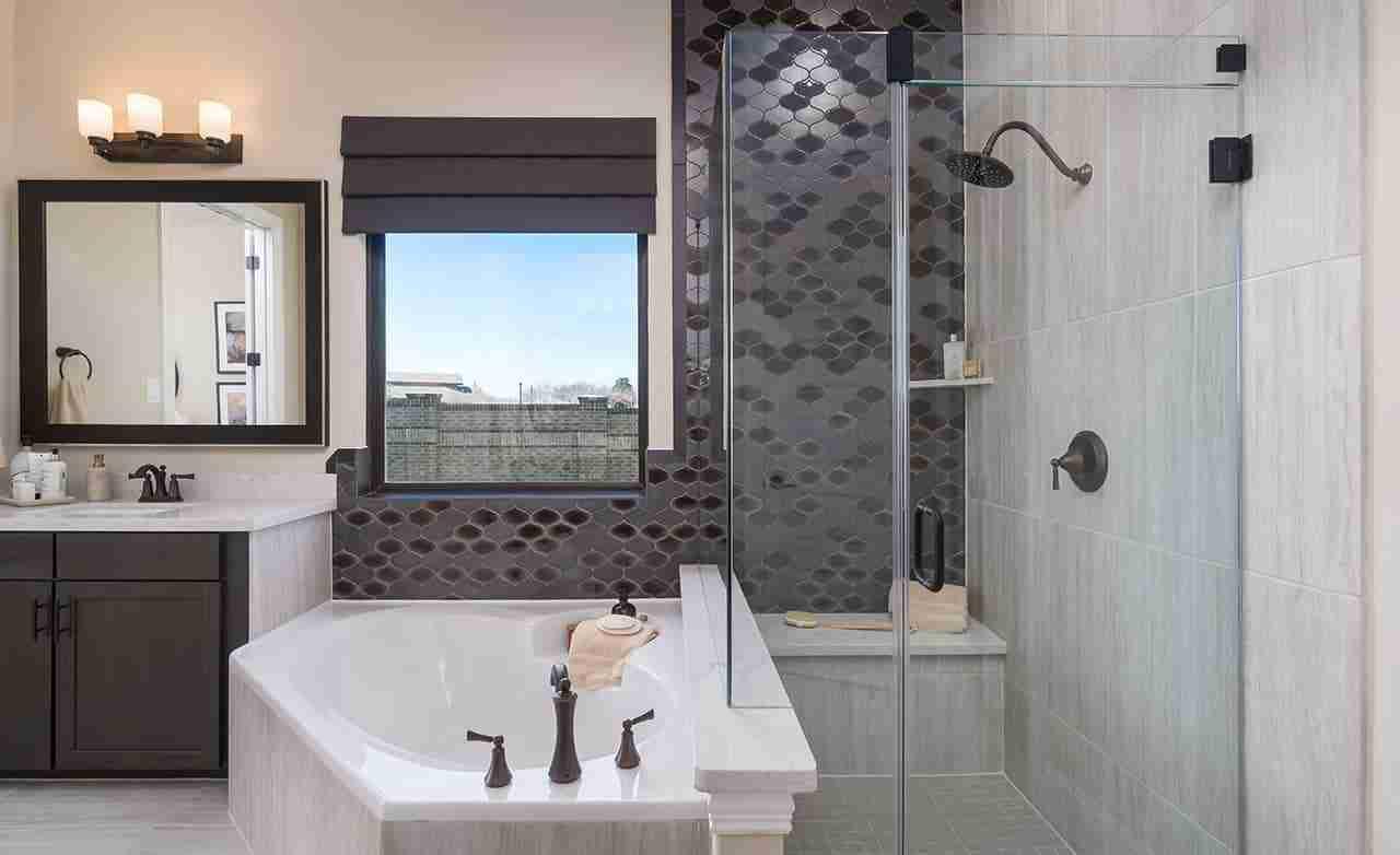 Rosewood – Master Bathroom