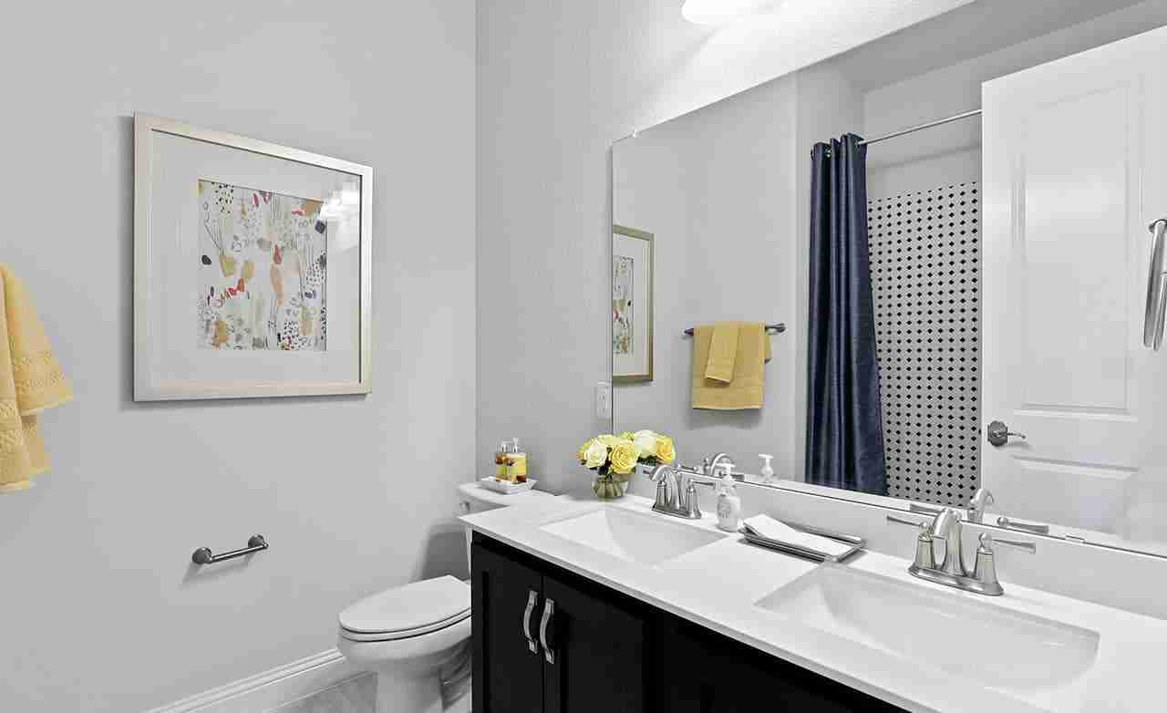 Laurel – Secondary Bathroom