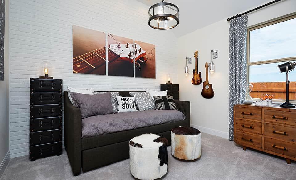 Mahogany – Secondary Bedroom