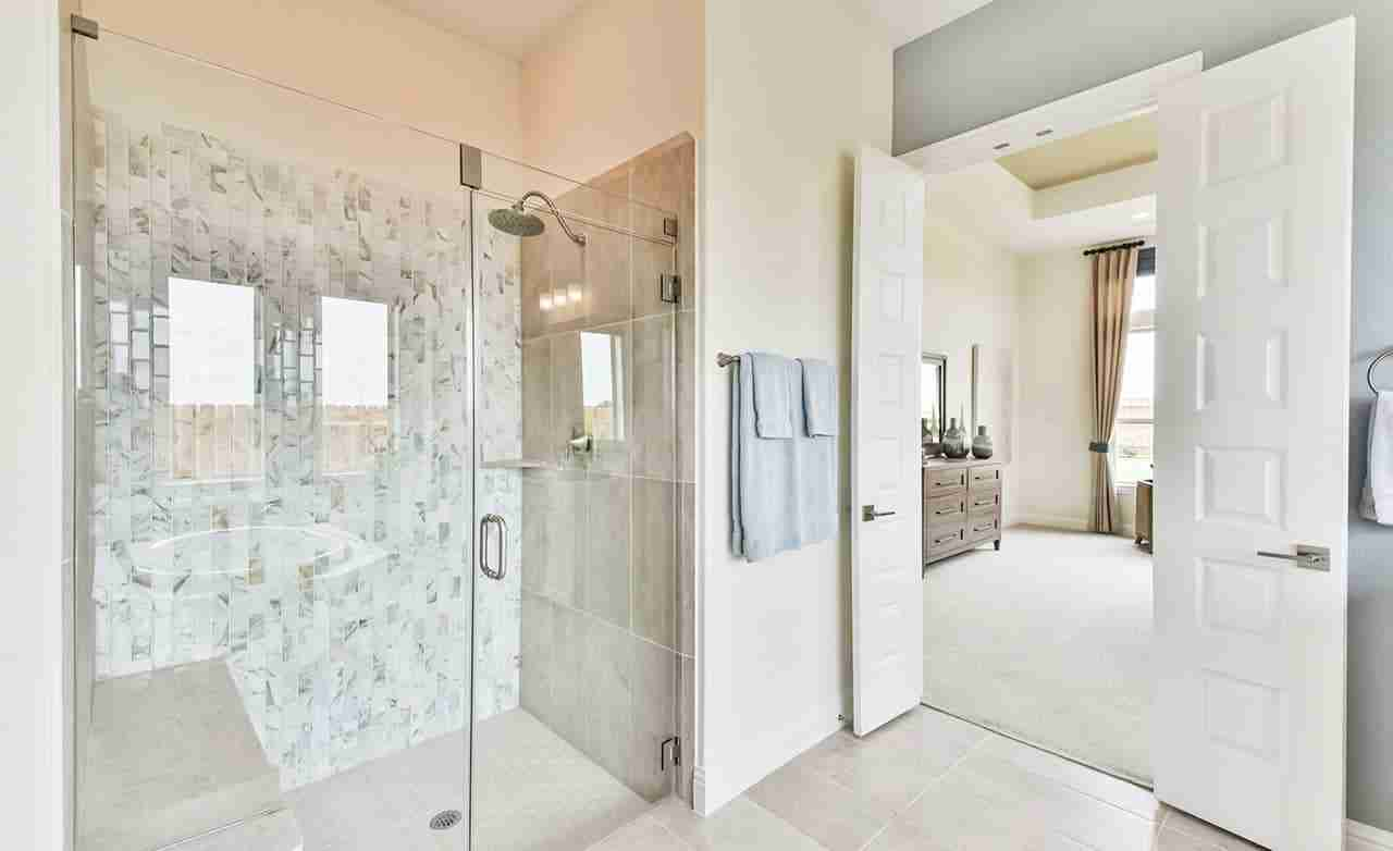 Dartmouth – Master Bathroom