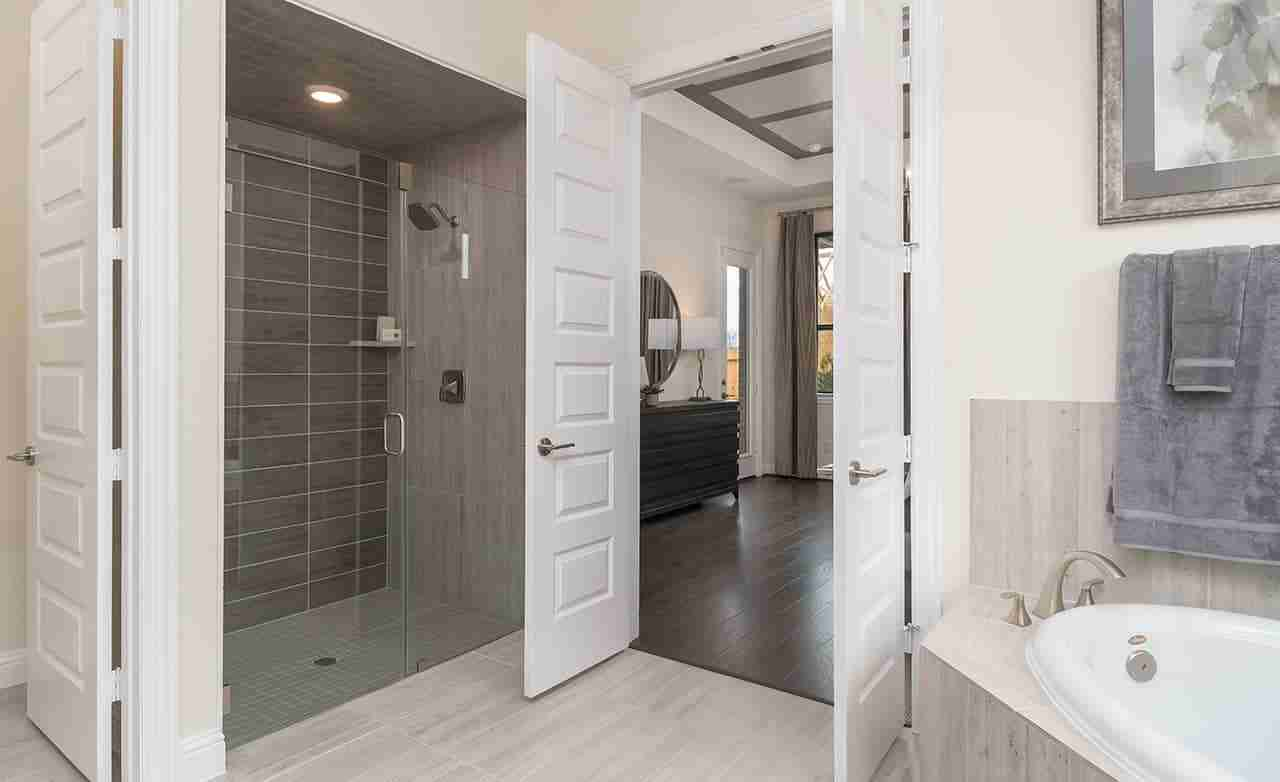Princeton – Master Bathroom