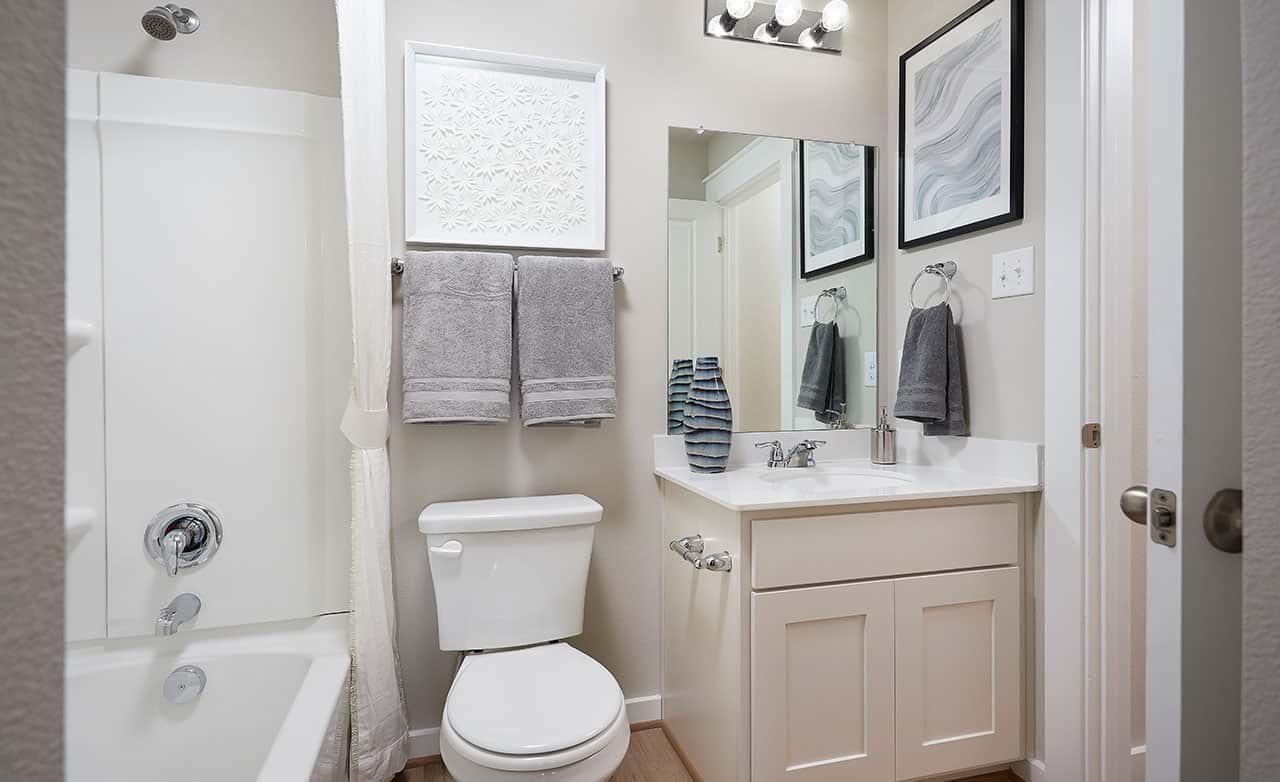 Acadia E – Secondary Bathroom