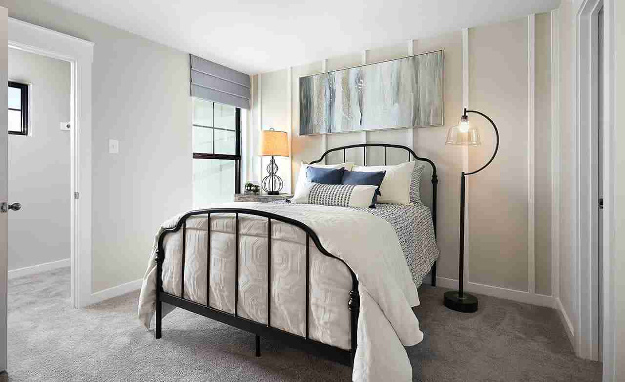 Acadia E – Secondary Bedroom
