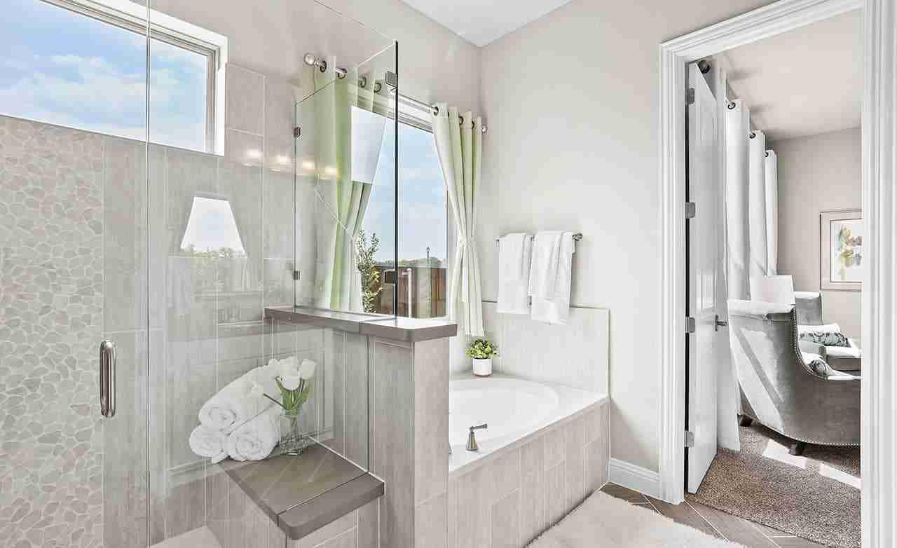 Verne – Owner's Bathroom