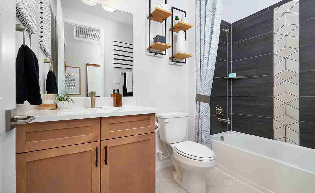 Bermuda – Secondary Bathroom