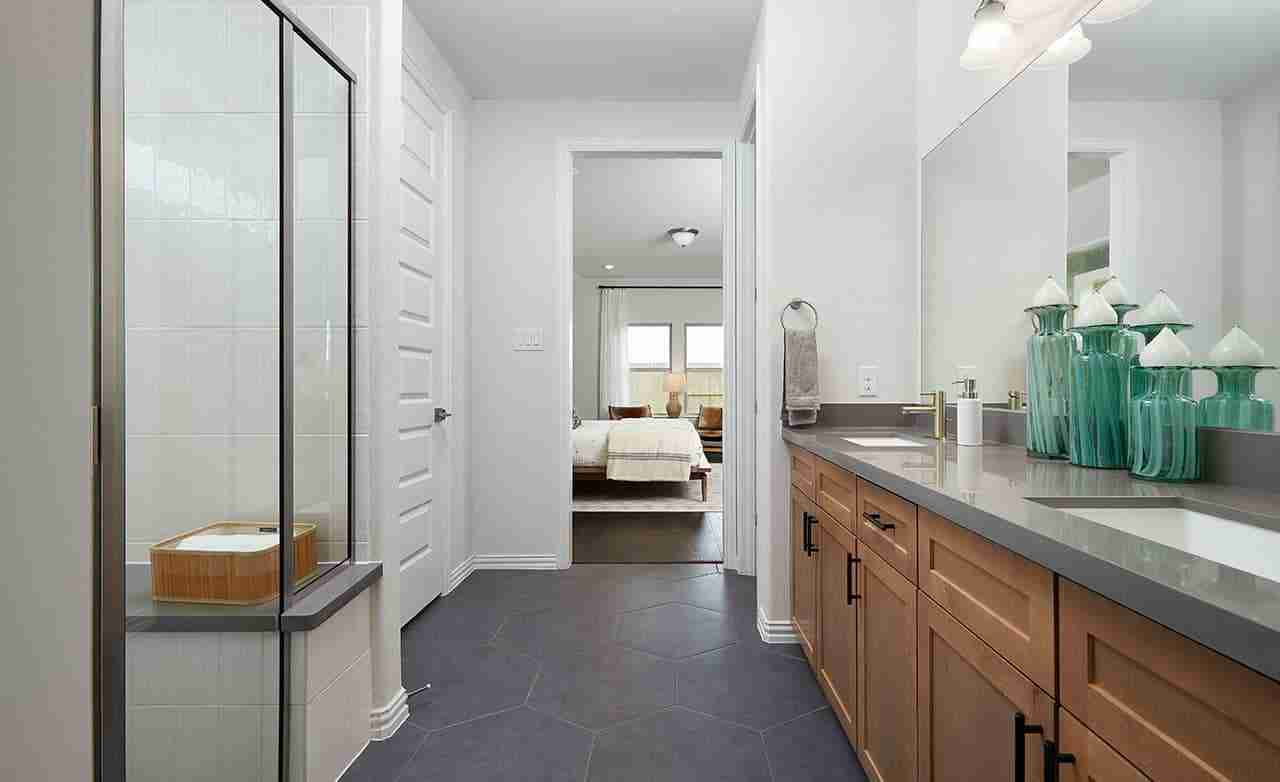 Bermuda – Master Bathroom