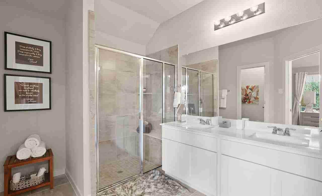 Kimbell – Master Bathroom