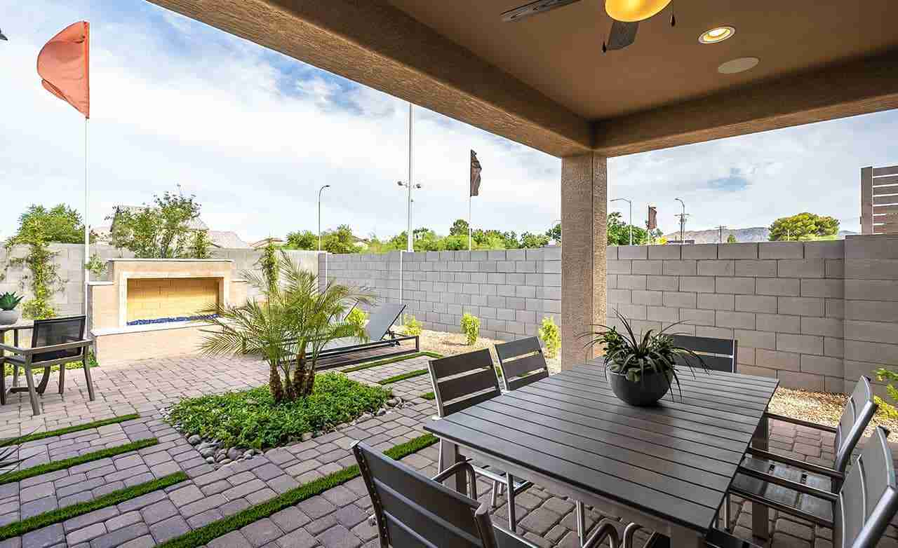 Clover – Backyard Patio