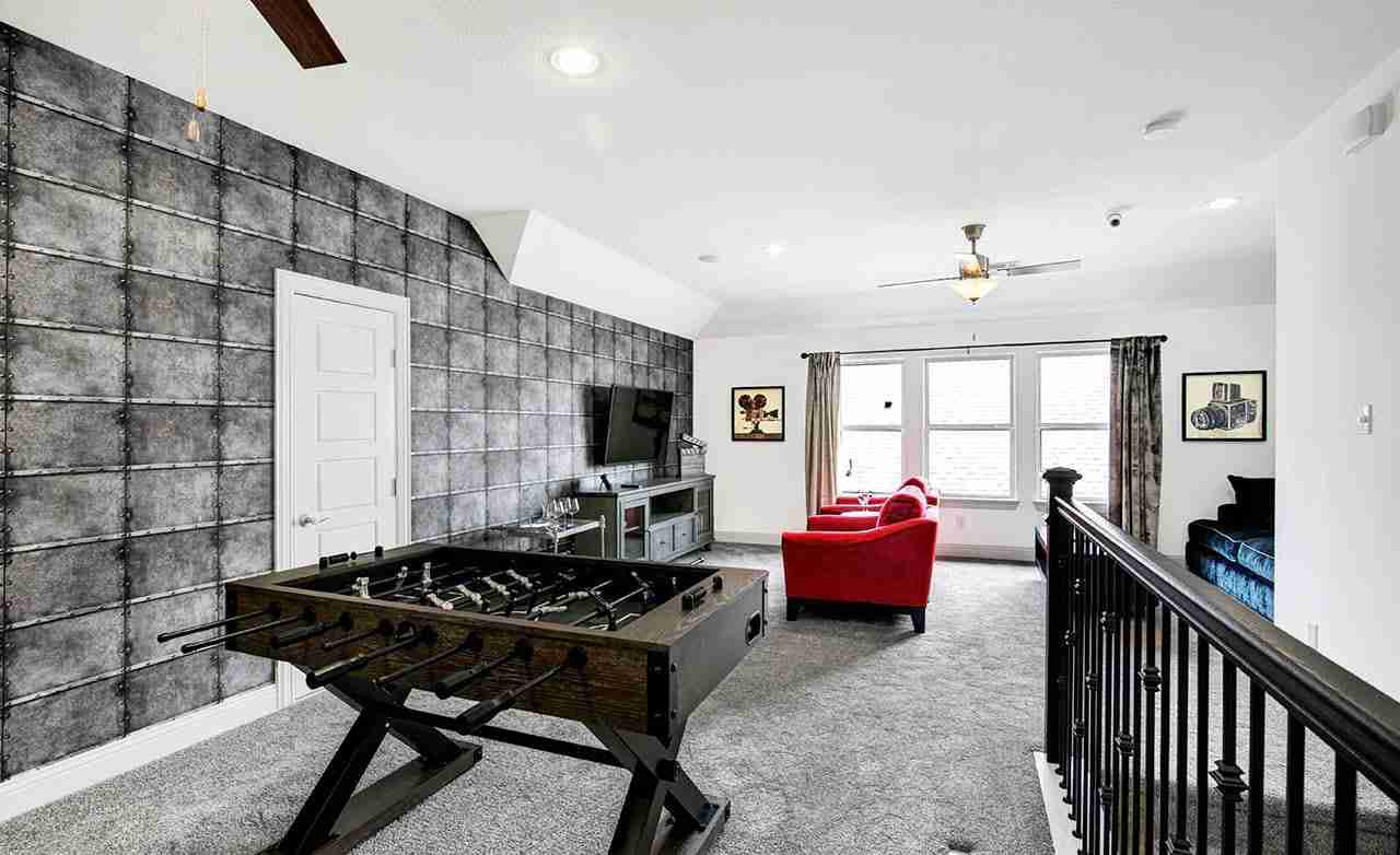 Yale – Game Room