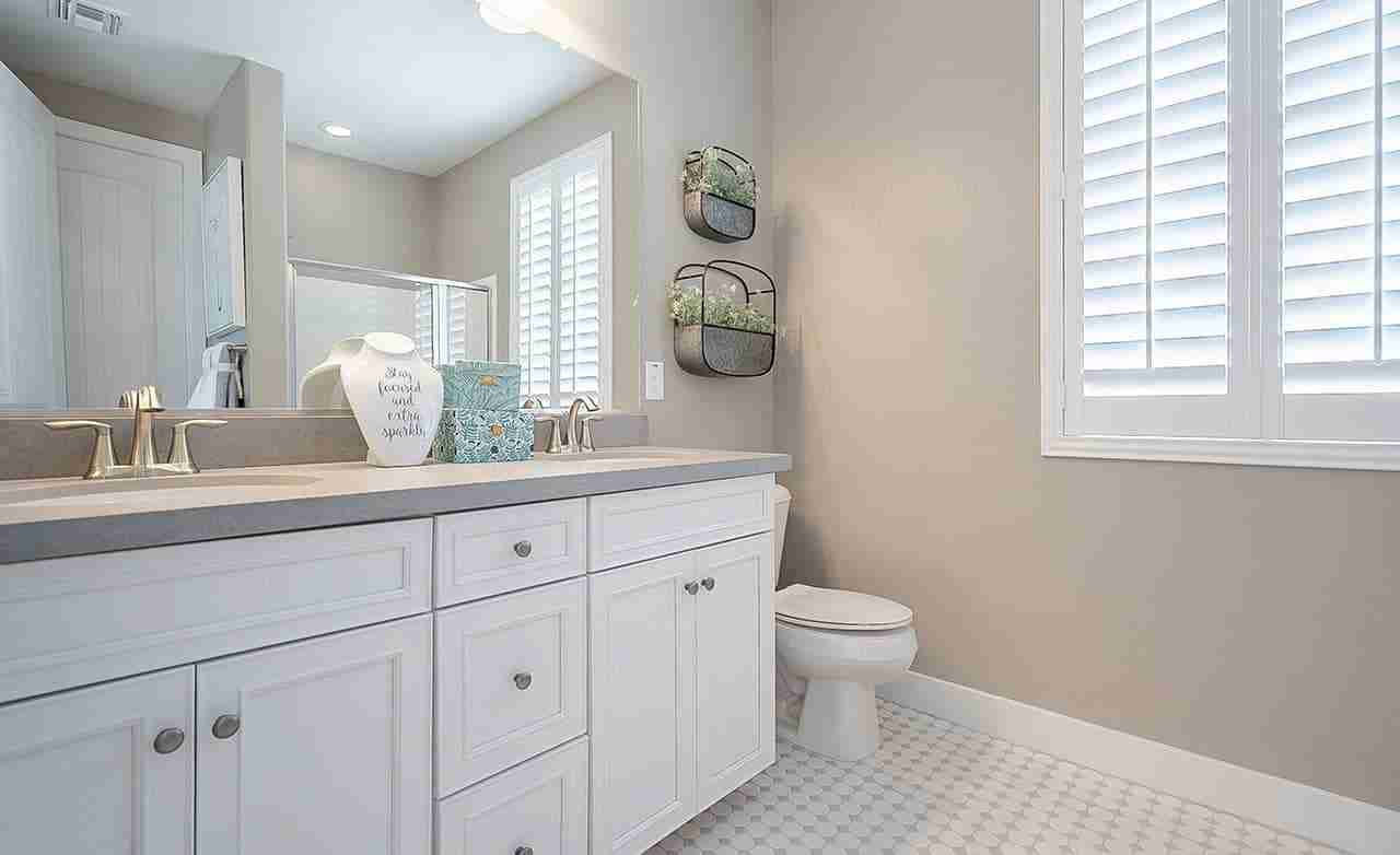 Indigo – Secondary Bathroom