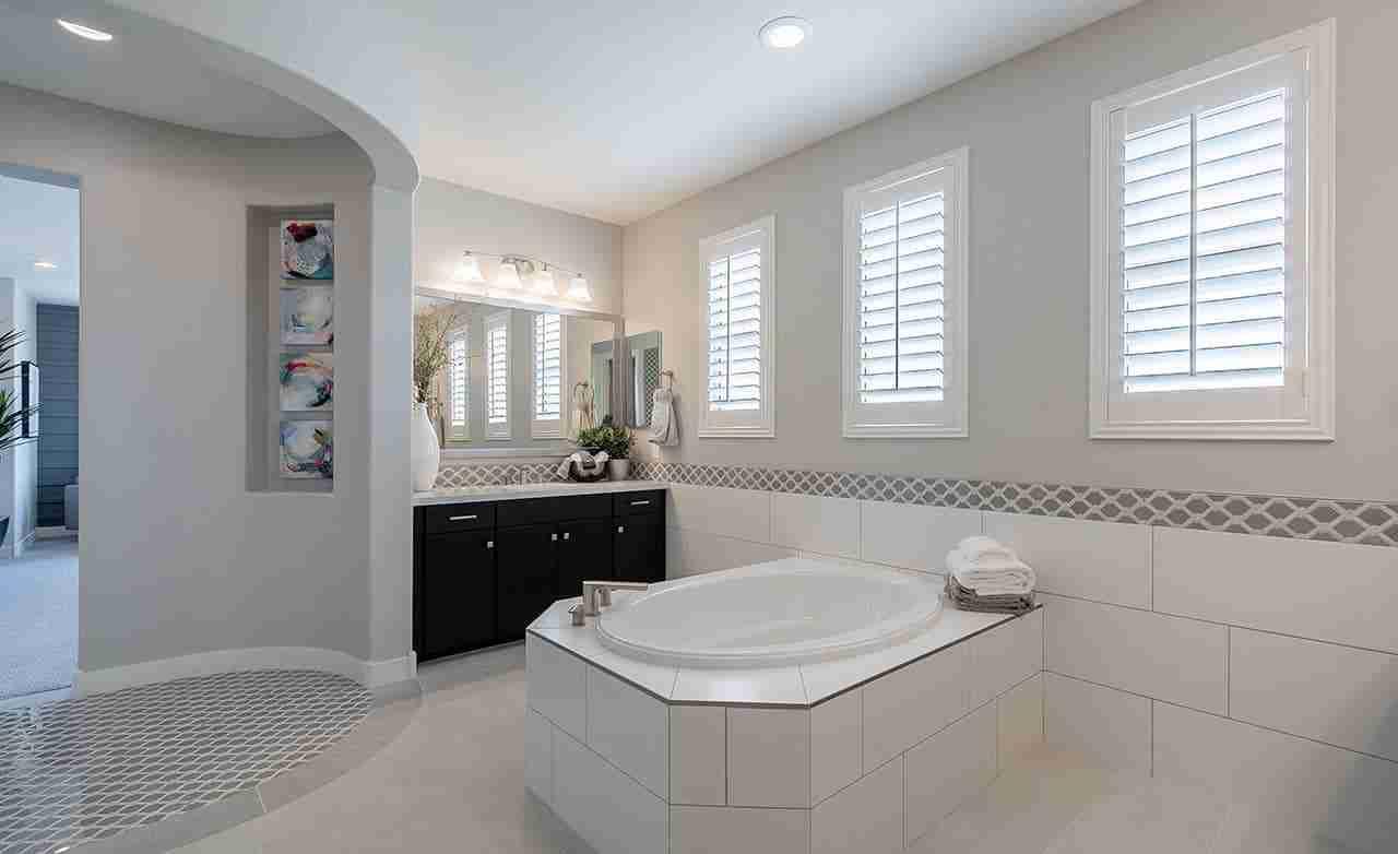 Indigo – Owner's Bathroom