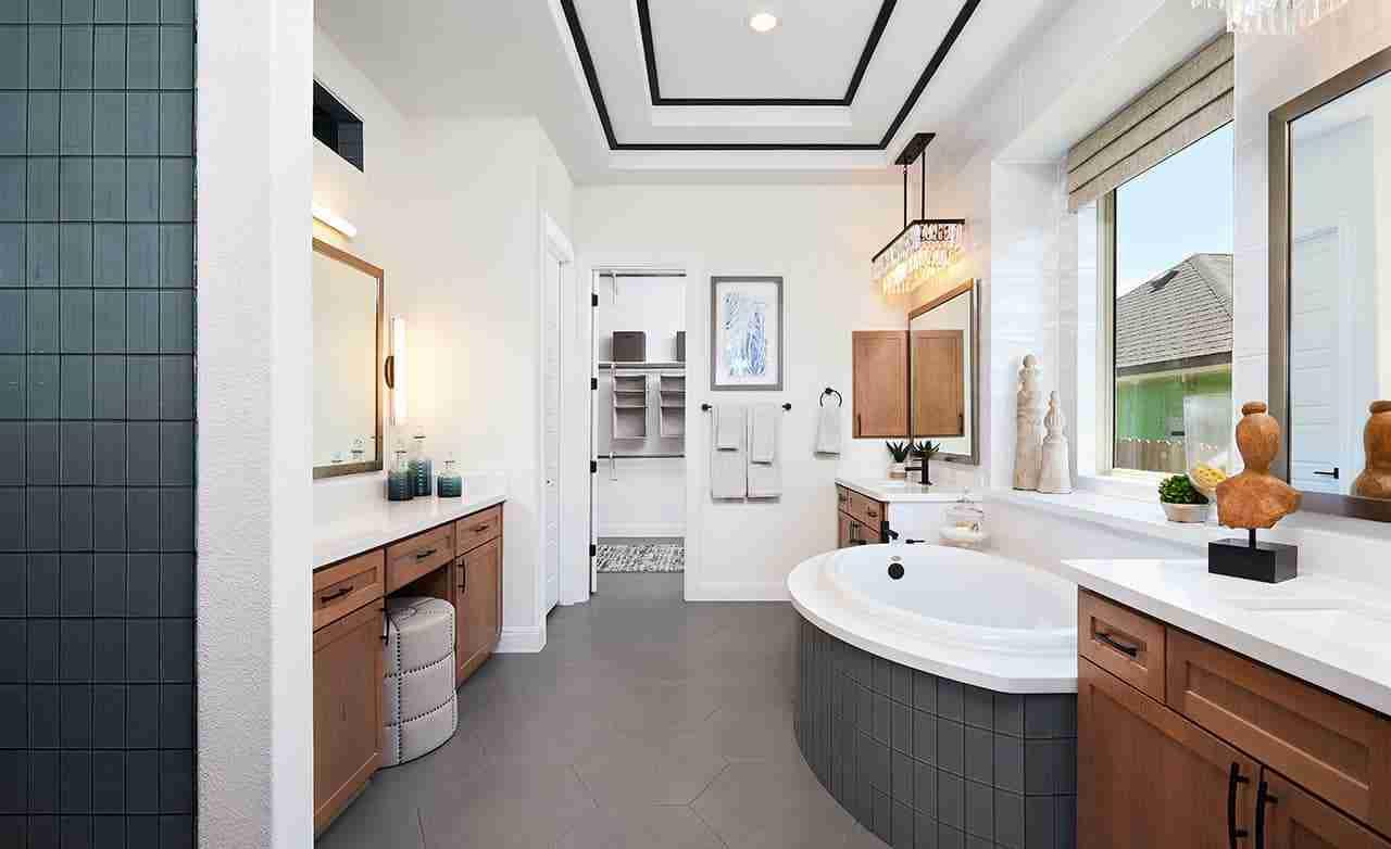 Cardinal – Owner's Bathroom