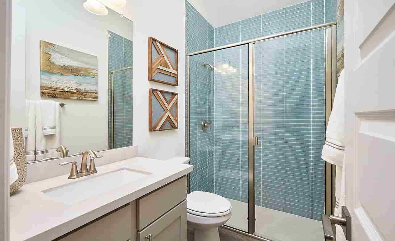 Palm – Secondary Bathroom