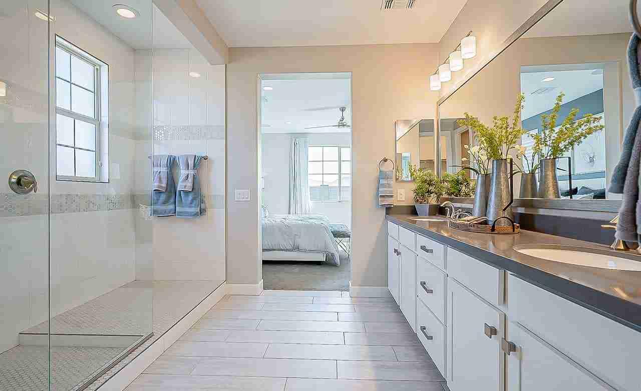 Castellano - Owner's Bathroom