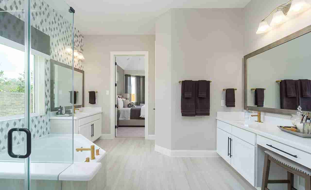 Rosewood – Owner's Bathroom