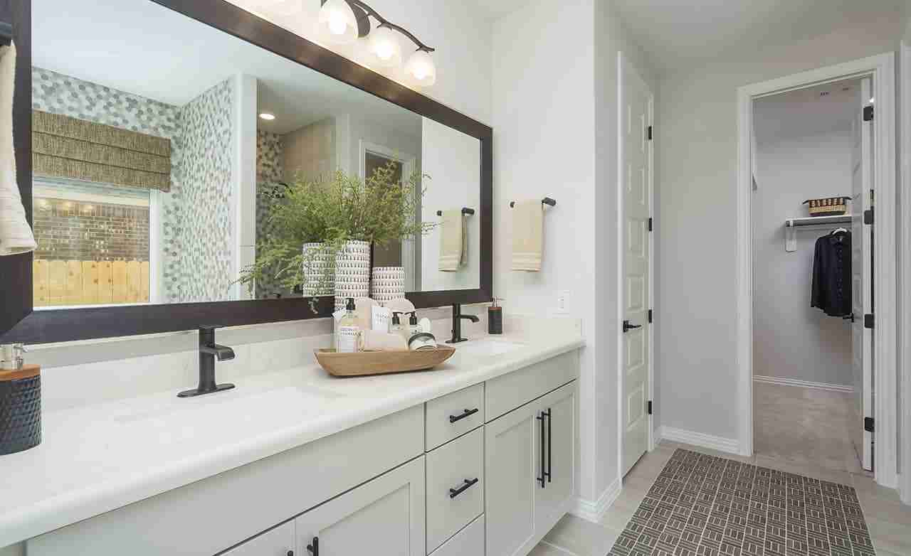 Capri II – Owner's Bathroom